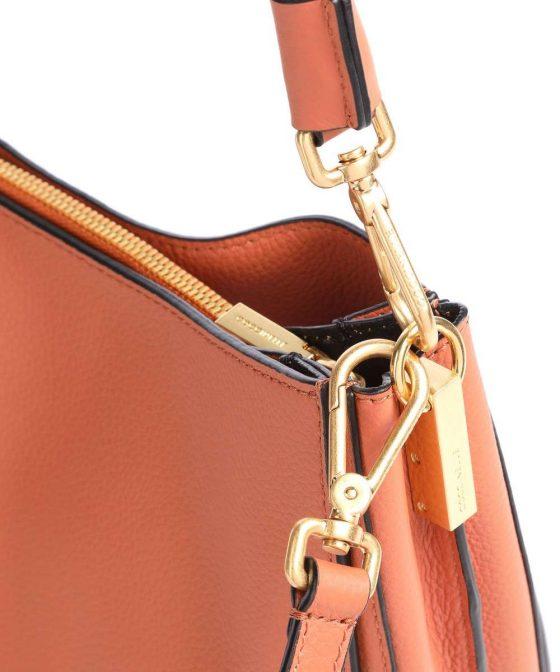 coccinelle arpege hobo bag amber e1igf150101 584 34